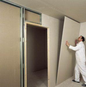 Нужно ли штукатурить стены из гипсокартона перед поклейкой обоев