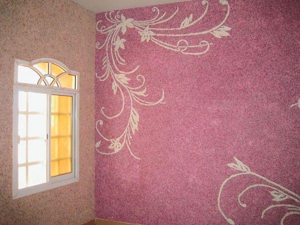 Пример оформления стены жидкими обоями