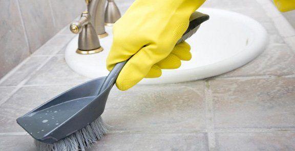 Чем очистить силиконовый герметик от плесени