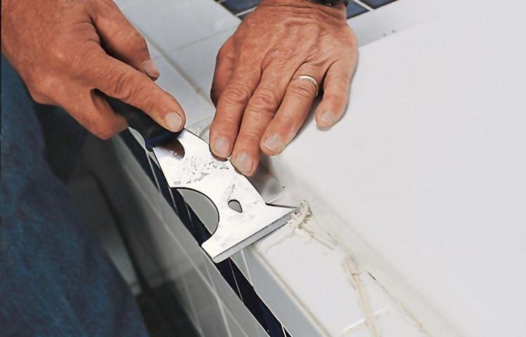 Как оттереть силиконовый герметик от машины