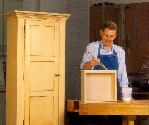 Как правильно покрасить лаком деревянное изделие