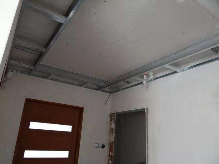 этом двухъярусный потолок из гипсокартона фото каркаса точнее сказать
