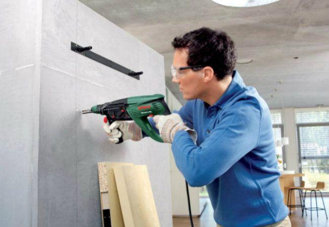 Как повесить шкаф на гипсокартонную стену, если не известно, где закладные