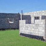 Выбор материала для строительства: пенобетонные или керамзитобетонные блоки