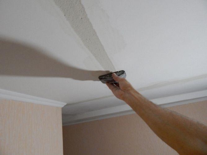 Расшить трещину в гипсокартоне в потолке