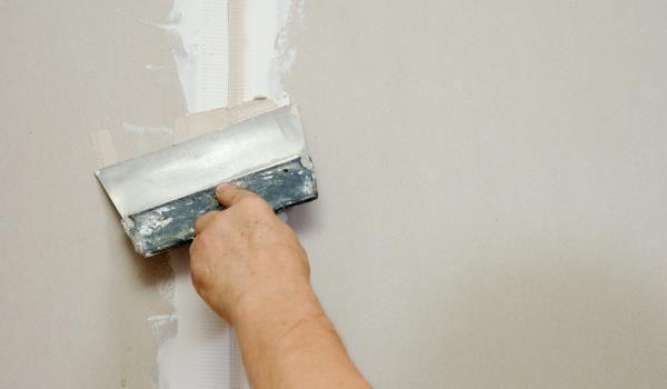 Шпаклевка гипсокартона перед покраской на потолке