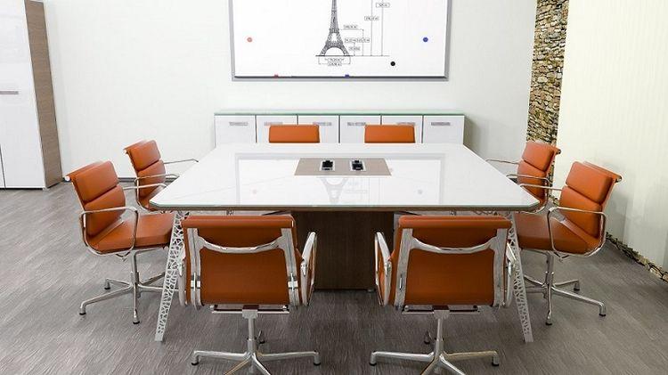 переговорный стол